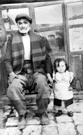 Sarac Mehmet Çavuş torunuyla